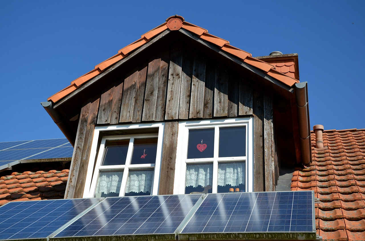 中古の太陽光発電システムには注意