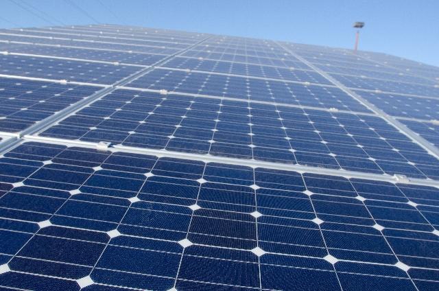 未来を開く太陽光発電システム