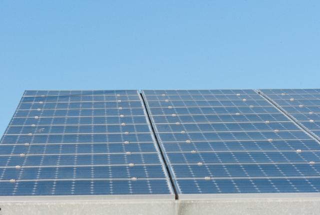 太陽光発電付き基地局に蓄電池を導入
