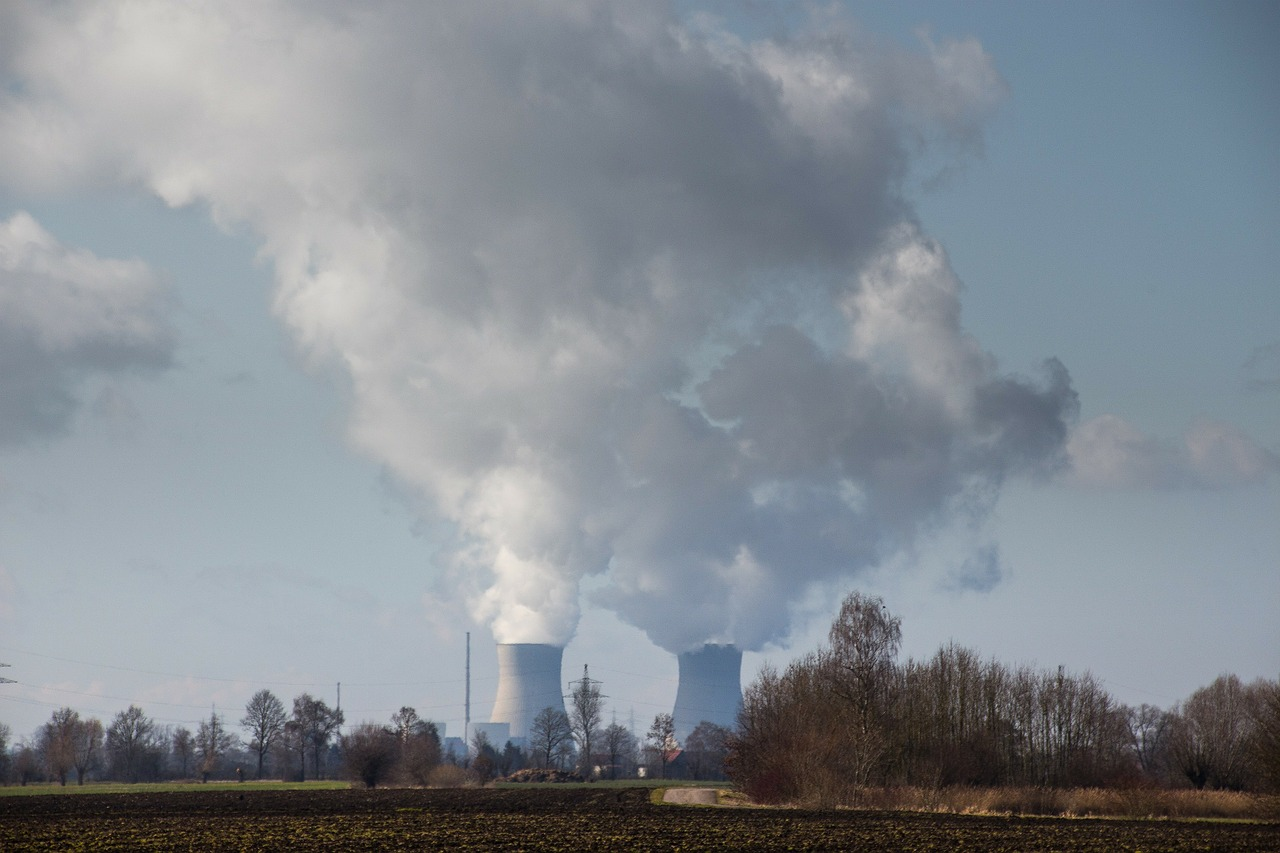 太陽光発電と原子力発電の地球環境